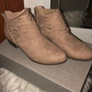BRAND NEW WITH BOX taupe Bianca multi strap boots